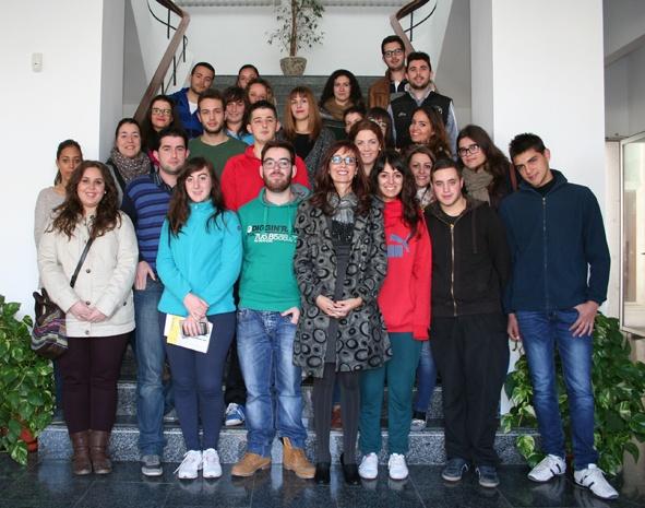 ENTREGA DE BECAS MUNICIPALES A ESTUDIANTES 1