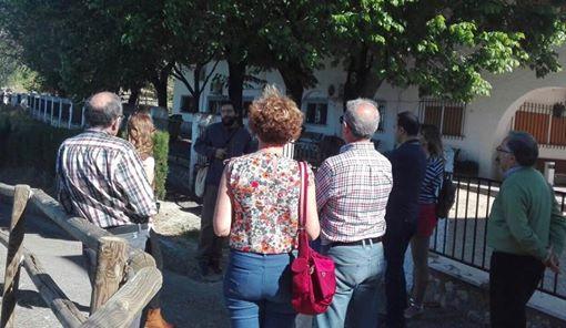 GRANDES HISTORIADORES VISITAN NUESTRA CUEVA 1